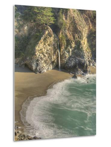 Mcway Falls at Julia Pfeiffer Burns State Park on the Big Sur Coast of California-Kyle Hammons-Metal Print