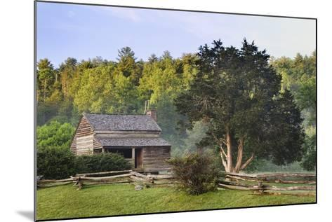 Pioneer Cabins in Cades Cove, Great Smoky Mountains National Park, Tennessee, USA--Mounted Photographic Print