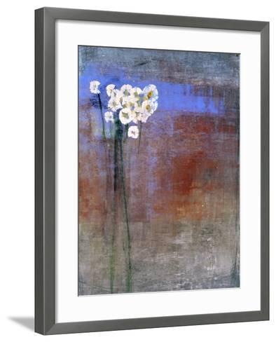 Marguerites 1-Maeve Harris-Framed Art Print
