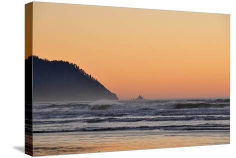 Ocean Sunset I-Logan Thomas-Stretched Canvas Print