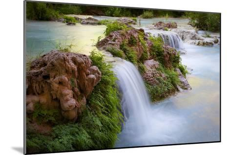 Havasu Creek Rushes Over Falls in Havasu Canyon-Derek Von Briesen-Mounted Photographic Print