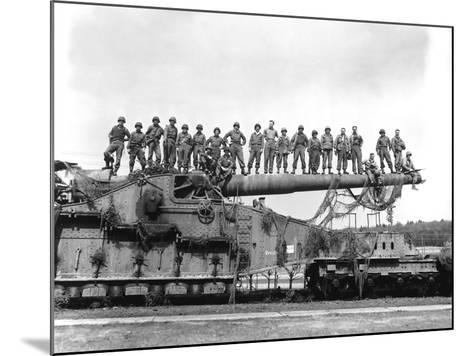 U.S. Army Soldiers Stand On Top of a Large 274mm Railroad Gun-Stocktrek Images-Mounted Photographic Print