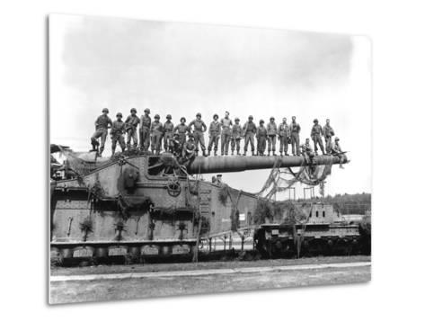 U.S. Army Soldiers Stand On Top of a Large 274mm Railroad Gun-Stocktrek Images-Metal Print