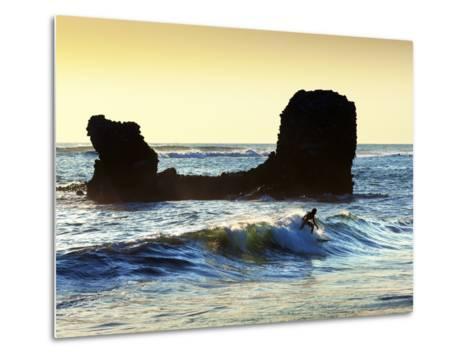 Playa El Tunco, El Salvador, Pacific Ocean Beach, Popular With Surfers, Great Waves-John Coletti-Metal Print