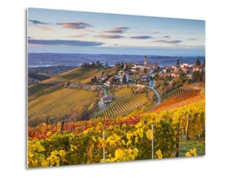 Vineyards, Treiso, Nr Alba, Langhe, Piedmont (or Piemonte or Piedmonte), Italy-Peter Adams-Metal Print