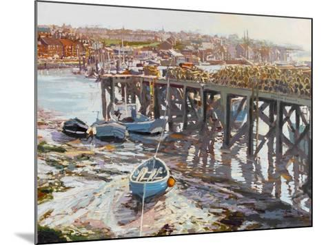 Low Tide (Whitby, North Yorkshire) 2006-Martin Decent-Mounted Giclee Print