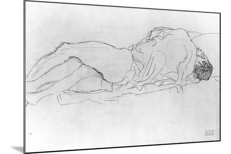 Couple in Bed, c.1915-Gustav Klimt-Mounted Giclee Print