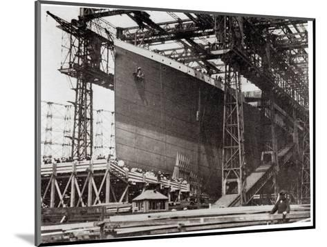 The Titanic in Belfast Dock, 1911--Mounted Photographic Print