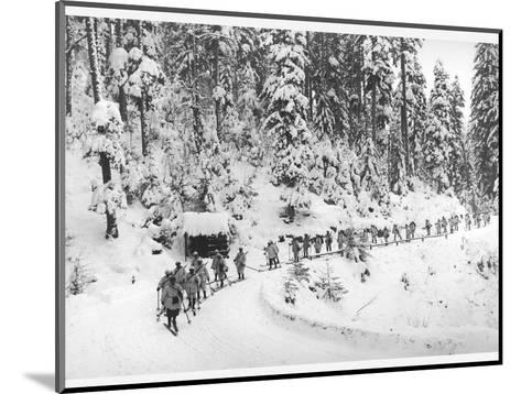 Mountain Infantrymen in the Vosges, 1918-Jacques Moreau-Mounted Photographic Print