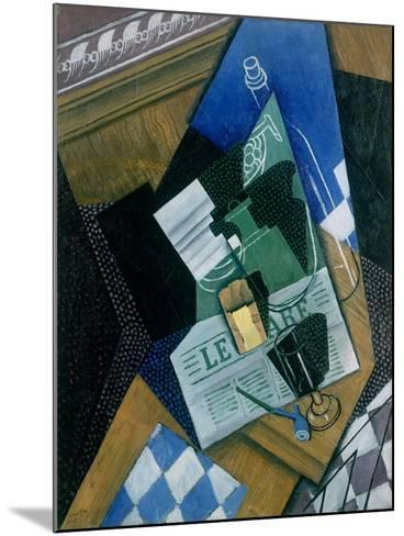 Still Life with Water Bottle, Bottle and Fruit Dish, 1915-Juan Gris-Mounted Giclee Print