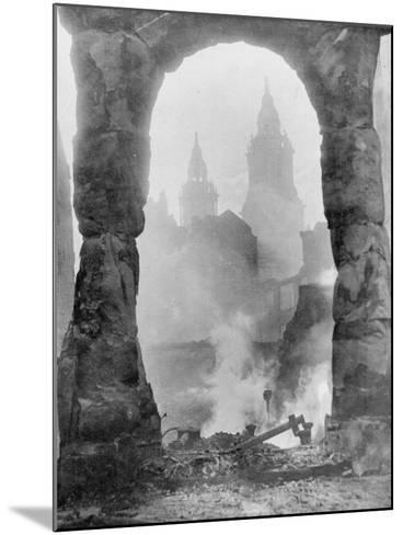 Battered Berlin-English Photographer-Mounted Photographic Print