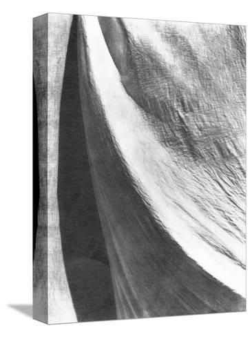 Cloth, Mexico, 1924-Tina Modotti-Stretched Canvas Print