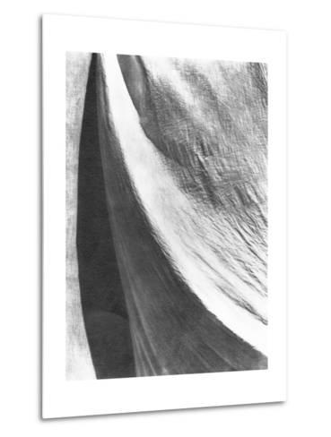 Cloth, Mexico, 1924-Tina Modotti-Metal Print