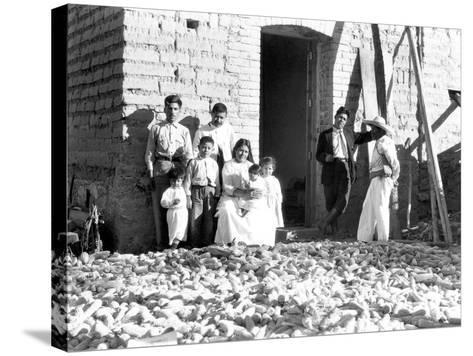 Family with Corn, State of Veracruz, Mexico, 1927-Tina Modotti-Stretched Canvas Print