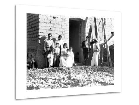 Family with Corn, State of Veracruz, Mexico, 1927-Tina Modotti-Metal Print