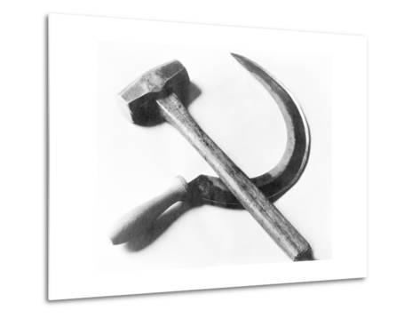 Mexican Revolution: Hammer and Sickle, Mexico City, 1927-Tina Modotti-Metal Print