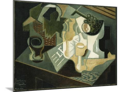 The Table in Front of the Building; La Table Devant Le Battiment, 1919-Juan Gris-Mounted Giclee Print