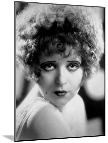 L'Actrice Americaine Clara Bow (1905-1965)--Mounted Photo