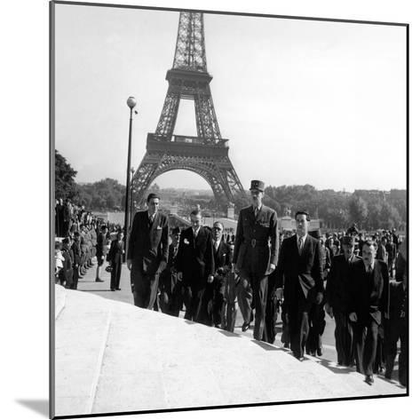 Le General Charles De Gaulle--Mounted Photo