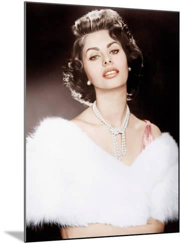 THE PRIDE AND THE PASSION, Sophia Loren, 1957--Mounted Photo