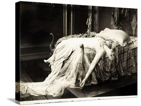Frankenstein, Mae Clarke on lobbycard, 1931--Stretched Canvas Print