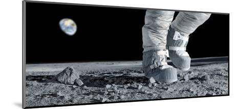 Astronaut Walking on the Moon-Detlev Van Ravenswaay-Mounted Giclee Print