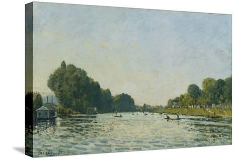 The Seine at Bougival; La Seine a Bougival, 1872-Alfred Sisley-Stretched Canvas Print