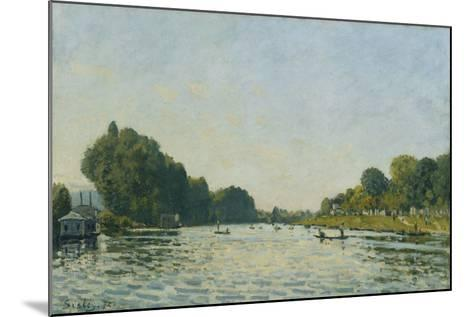 The Seine at Bougival; La Seine a Bougival, 1872-Alfred Sisley-Mounted Giclee Print