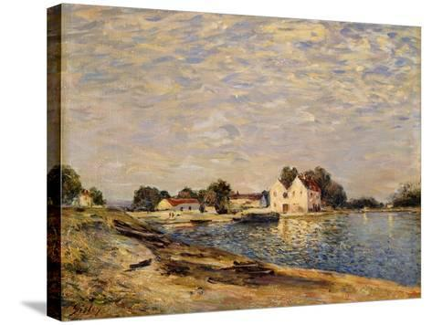 Saint-Mammes, on the Banks of the Loing; Saint-Mammes, Les Bord Du Loing, 1884-Alfred Sisley-Stretched Canvas Print