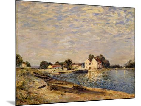 Saint-Mammes, on the Banks of the Loing; Saint-Mammes, Les Bord Du Loing, 1884-Alfred Sisley-Mounted Giclee Print
