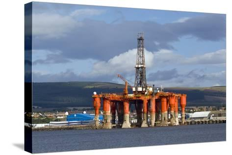 Oil Drilling Rig, North Sea-Duncan Shaw-Stretched Canvas Print