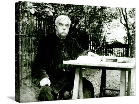 Leon Bloy (1846-1917)- Dornac-Stretched Canvas Print