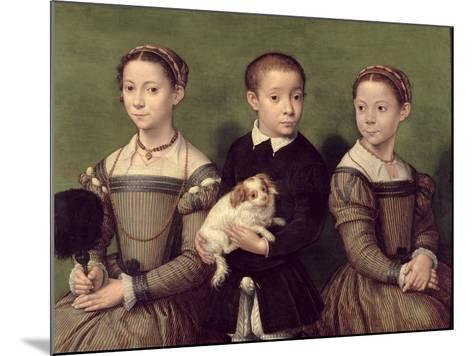 Two Sisters and a Brother of the Artist-Sofonisba Anguissola-Mounted Giclee Print