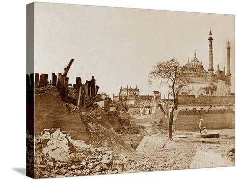 The Battery Near the Begum Kotee, Lucknow-Felice Beato-Stretched Canvas Print