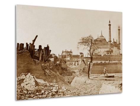 The Battery Near the Begum Kotee, Lucknow-Felice Beato-Metal Print