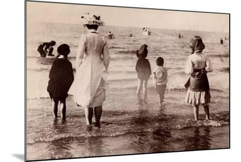 Family at the Beach, 1890--Mounted Photographic Print