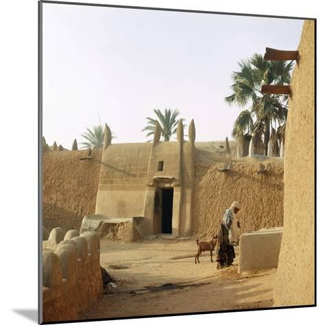 A House Made of Dried Mud in the Old Part of Kano, One of the Major Hausa-Fulani City States of…--Mounted Giclee Print