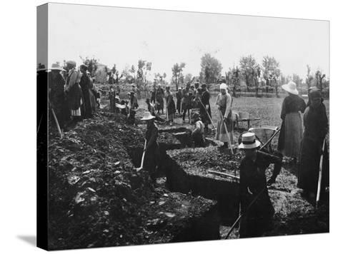 Women Assigned to Trenches Works--Stretched Canvas Print
