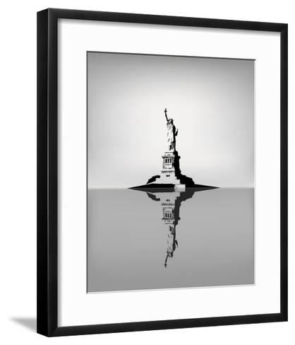 Statue Of Liberty-zhelunovych-Framed Art Print