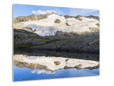 Peak of Mt Grossvenediger, Nationalpark Hohe Tauern, Salzburg, Austria-Martin Zwick-Metal Print