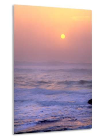 Sun Setting over the Pacific Ocean, Oregon, USA-Jaynes Gallery-Metal Print