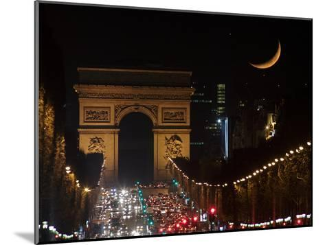 The Setting Crescent Moon at the Arc De Triomphe and Champs-Elysees Avenue-Babak Tafreshi-Mounted Photographic Print