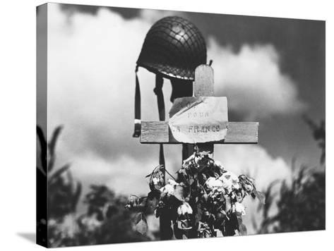 Grave of American Soldier--Stretched Canvas Print