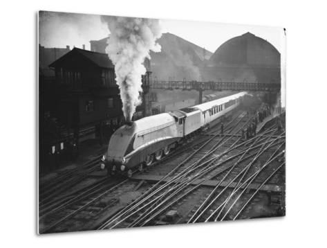 Silver Link Train Leaves King's Cross Station--Metal Print