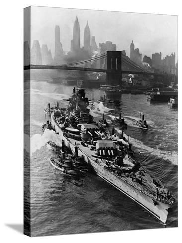 French Battleship Richelieu Passes Brooklyn Bridge--Stretched Canvas Print