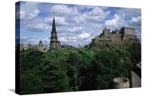 Edinburgh Castle-Vittoriano Rastelli-Stretched Canvas Print