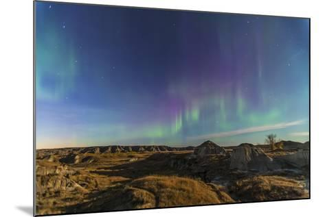 Aurora Borealis over the Badlands of Dinosaur Provincial Park, Canada--Mounted Photographic Print