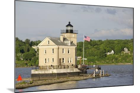 USA, New York, Kingston, Hudson River. Rondout Creek Light.-Cindy Miller Hopkins-Mounted Photographic Print