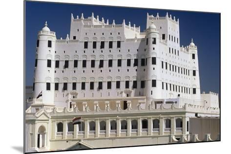 Yemen, Seiyun, Hadhramaut Region, Sultan Al Kathiri Palace Exterior--Mounted Photographic Print