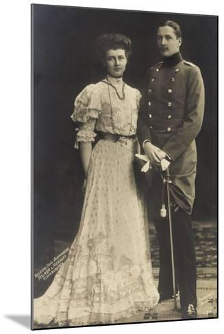 Prinz Eitel Friedrich Mit Herzogin Sophie Charlotte--Mounted Giclee Print